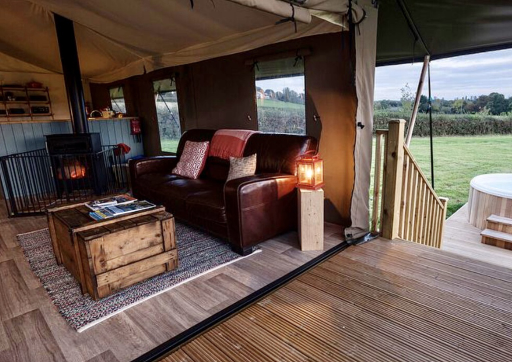 Glamping tent luxury